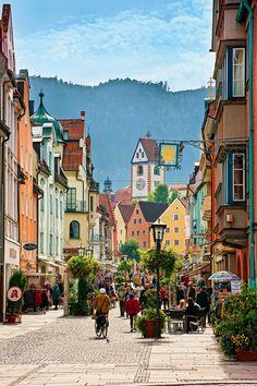 Castillos de Baviera · National Geographic en español. · FUSSEN-CIUDAD DE VIOLINES