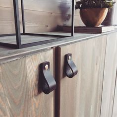 This IVAR shelving unit is totally on-trend with leather pulls. - Ikea DIY - The best IKEA hacks all in one place Ikea Hacks, Ivar Ikea Hack, Ikea Ivar Shelves, Ikea Ivar Cabinet, Ikea Hackers Kids, Furniture Makeover, Diy Furniture, Ivar Regal, Lack Coffee Table