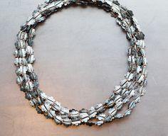 Sophie Bouduban - collier, textile, zinc - COLLECTION «COLLIERS» – Galerie Annick-Zufferey