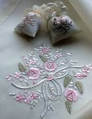 Resultado de imagen para cojines bordados en cinta
