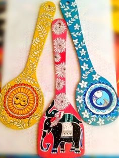 Sneak preview of some of the lovely hand painted wooden spoons (Set of 3) that reflect the rich and diverse cultures from India. Coming soon on 'Made with Love in India'. Stay tuned!  #gifts #weddingfavours #madewithloveinindia #madeinindia #handmade #handpainted #homedecor #ukindians #madhubanipainting #warli