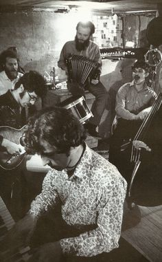 The Band hanging out - Rick Danko, Levon Helm, Garth Hudson, Richard Manuel and Robbie Robertson. #music