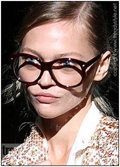 Brillen met zware monturen