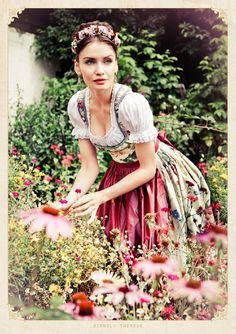 Dirndl Outfit - Bavarian/Austrian Traditional Female Peasant Clothing during the and Centuries. Later the Austrian upper classes adopted the dirndl as high fashion in the Traditional German Clothing, Traditional Dresses, Dirndl Rose, German Costume, German Outfit, German Fashion, Maid Dress, Feminine Dress, Folk Costume