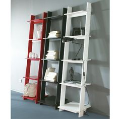 1000 images about livres on pinterest bookshelves plate racks and wooden ladder shelf. Black Bedroom Furniture Sets. Home Design Ideas