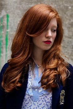 Love the red hair and red lips -- dont think it would work with my complexion though :(  And WHY did I cut my hair?!