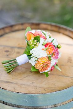 Prom Flowers, Wedding Flowers, Wedding Flower Inspiration, Lifestyle Blog, Marie, Wedding Planning, Table Decorations, Amazing Tattoos, Bouquets