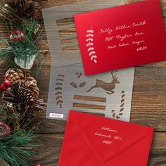 Would you like to hand letter your Christmas card envelopes? This envelope guide set includes two stencils: one addressee guideline. Bullet Journal Gifts, Bullet Journal Christmas, Bullet Journal Stencils, December Bullet Journal, Envelope Lettering, Hand Lettering, Brush Lettering, Creative Lettering, Christmas Tunes