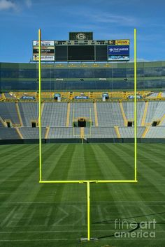 A look in at the historic Lambeau Field. This is the home of the Green Bay Packers in Green Bay, WI. Green Bay Packers, Green Bay Football, Packers Baby, Go Packers, Packers Football, Green Bay City, Traverse City Michigan, Football Stadiums, Family Night