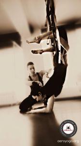 Aerial Yoga & Pilates / ConceptualFitness. www.aerialyoga.tv    Posturas de Aero yoga y aeroPilates Aéreo para todo el mundo www.aero-pilates.es