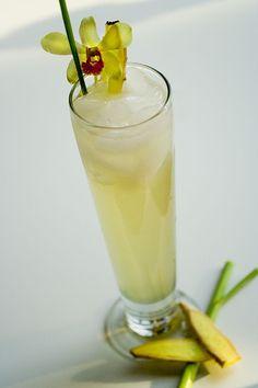 Lemongrass Ginger Ale Ginger Ale, Fresh Ginger, Non Alcoholic Drinks, Cocktail Drinks, Cocktails, Bourbon Drinks, Beverages, Ginger Flower, Water Kefir