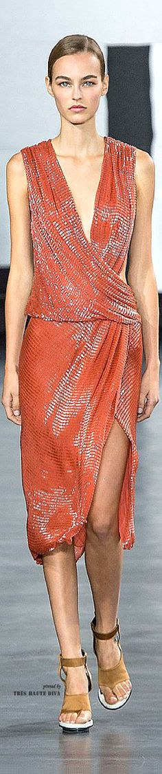 This reminds me of what we used to wear disco dancing in the Jason Wu Spring/Summer 2015 RTW - courtesy of Tres Haute Diva Jason Wu, Modern Fashion, High Fashion, Womens Fashion, Couture 2015, Orange Fashion, Models, Designer Gowns, All About Fashion