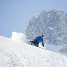 Ein Ski geht auf Tour Salomon BBR Mount Everest, Skiing, Tours, Mountains, Winter, Travel, Couple, Ski, Winter Time