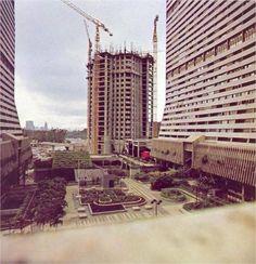 Construcción de las torres de Parque Central, Caracas - Circa 1975