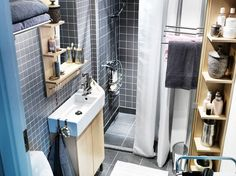 Nice color scheme and narrow sink; this is one tiny bathroom
