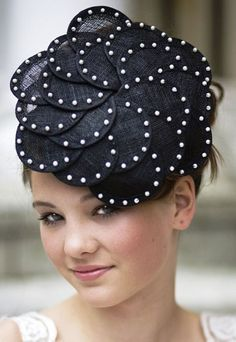 Lizzie - Black Flower Style Sinamay Fascinator with Pearl Detailing for Weddings or Races from Zaam Sinamay Hats, Millinery Hats, Black Fascinator, Church Hats, Fancy Hats, Love Hat, Hat Hairstyles, Derby Hats, Flower Fashion