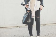 {looks} big.scarf. Neue Outfits, Jeans, My Style, Coat, Blog, Jackets, Beautiful, Fashion, Big Scarves