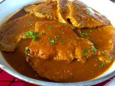 Schab duszony w sosie węgierskim - Blog z apetytem Polish Recipes, Coleslaw, Curry, Pork, Food And Drink, Keto, Yummy Food, Dinner, Cooking
