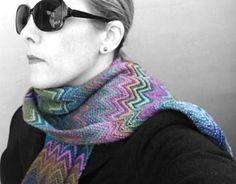 An impressive yet easy to knit scarf in the style of a great Italian designer.