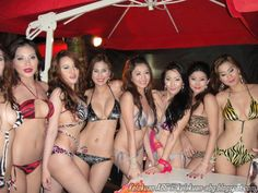 Kumpulan Cewek Bening Berbikini Seksi Lagi Pesta Di Pantai | KELAKUAN ABG