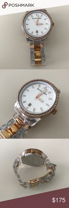 Michael Kors Watch Michael Kors watch in excellent condition. Clear with gold. Comes with extra links! Michael Kors Accessories Watches