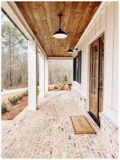 old farmhouse exterior design ideas 2019 49 > Fieltro.Net 57 Old Farmhouse Exterior Design Ideas 2019 > Fieltro. Style At Home, Future House, House With Porch, Farm House Porch, Farm House Exteriors, Ranch Farm House, Tin Roof House, Metal Roof Houses, Farm Door