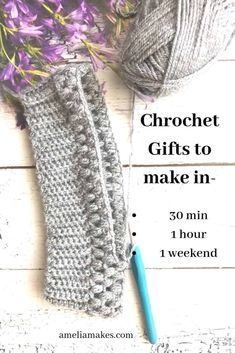 Ever need a handmade, crocheted gift in a hurry? These ideas will give you plent… Ever need a handmade, crocheted gift in a hurry? These ideas will give you plenty to work with even if you only have 30 minutes to crochet something meaningful! Marque-pages Au Crochet, Crochet Mignon, Fast Crochet, Crochet Simple, Chunky Crochet, Cute Crochet, Crochet Crafts, Crochet Stitches, Crochet Baby