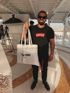 Things to do in Dubai  #allenclaudius #bowtiesandbones #indiansneakerhead #indianhypebeast #sneakerhead #streetwear #blogger #vlogger #youtuber #shoetuber #influencer #indian #hypebeast #highsnobiety #complex #sneaker #collector #travelblog #fashion #style #menswear #streetstyle #wanderlust #travel #travelblogger #dubai #visitdubai #uae #thingstodo #indiancaseyneistat #d3 #dubaidesigndistrict #mydubai #soledxb #supreme #bogo #boxlogo #placesplusfaces #nike #af1 #airforce100 #rocafella