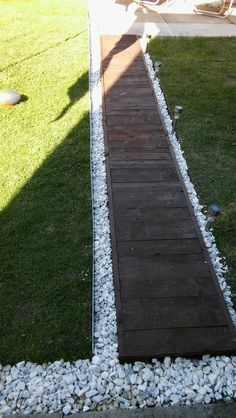 Garden path from old pallets