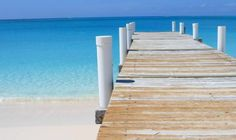 Bajo warf 2 Tropical Beach Houses, Turks And Caicos, My Happy Place, Places Ive Been, Parrot, Beautiful Places, Mondays, Outdoor Decor, Holiday
