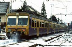 欧州国鉄① Swiss Railways, Train Tracks, Trains, Electric, The Unit, Swiss Guard, Railroad Tracks