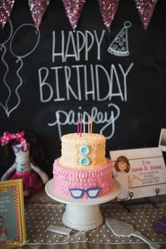We celebrated our big girl turning 5 two weeks ago with a fun Junie B. Jones themed party! Paisley LOVES Junie B. and we have been reading them together before bed most nights. I loved them as a li…