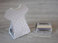 QbeesQuest offers card-making ideas, paper crafting tips and tutorials. Brenda Quintana Independent Stampin' Up! Order Stampinup on-line Chocolates, Mother's Day Projects, Treat Holder, Custom Tees, Treat Bags, Stamping Up, Tee Design, Little Gifts, Paper Crafting