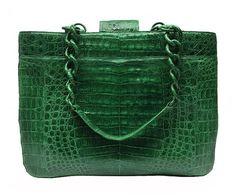 Emerald green - color of the year 2013 - Pantone Verde Smeraldo - colore dell'anno 2013