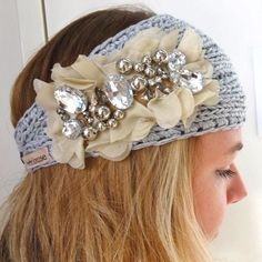 Gorgeous grey knitted headband with embellishments!! Perfect for winter accessories and warmth!
