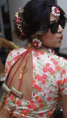 Saree Blouse Neck Designs, Dress Neck Designs, Fancy Blouse Designs, Bridal Blouse Designs, Saree Tassels Designs, Lehenga Designs, Bandhani Dress, Half Saree Lehenga, Stylish Blouse Design