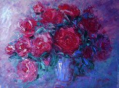 Купить Красные розы в голубой вазе - розовый, темно-красный, винный, фиолетовый, голубой, розы