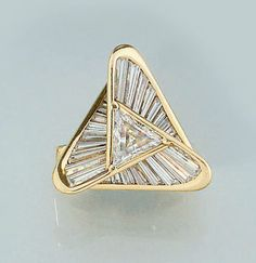 Art Deco diamond cluster ring by Miyako