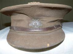 WW II AUSTRALIAN ARMY OFFICER S HAT - GENUINE ORIGINAL WITH BADGE