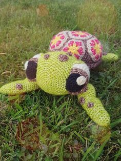 Squirt the turtle. #somuchwork #scheepjesstonewashed #crochet