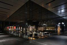 「︎Ruby Jack's Steakhouse & Bar」所在地:東京都港区六本木1-4-5 アークヒルズ サウスタワー2階 オープン:2014年4月8日 設計:Nao Taniyama&アソシエイツ 谷山 直 床面積:266㎡(うち厨房90㎡) 客席数:83席