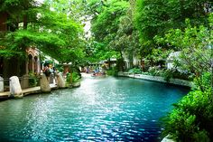 Riverwalk in San Antonio, TX. Looks cool. Vacation Places, Dream Vacations, Vacation Spots, Places To Travel, Places Around The World, Oh The Places You'll Go, Places To Visit, Texas Travel, Travel Usa