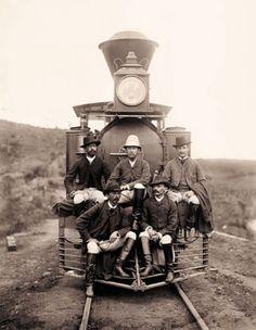 Locomotiva na estrada de ferro Rio-Minas, em 1880.