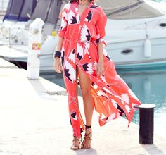 Beautiful DVF dress..love this!!! Oh I need the boat in the background too, it's the perfect accessory!! ;-)