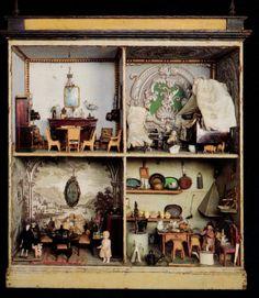 Museum Postcard:Antique DOLLHOUSE / DOLL's HOUSE Miniature. End