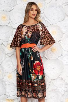StarShinerS black daily cloche dress short sleeves accessorized with belt, accessorized with belt, flaring cut, large sleeves, short sleeves Daily Dress, New Dress, Black Leather Dresses, Baptism Dress, Club Style, Dress Cuts, Gold Leather, Size Clothing, Sleeve Styles