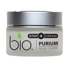 Reverse the signs of aging with this restorative cream rich in moisturizing agents, antioxidants and phytonutrients. Our night cream utilizes the reparative and restorative properties of sweet almond oil, rosehip oil, ginseng, evening primrose oil, grapefruit cell extract and vitamin C to help regenerate youthful skin while you sleep.