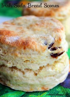 Jo and Sue: Irish Soda Bread Scones With Honey Butter. Not a dinner in themselves but go perfect with a bowl of soup or stew! (quick biscuits no butter) Scottish Recipes, Irish Recipes, Biscuit Bread, Biscuit Recipe, Irish Scones, Baking Scones, Irish Soda Bread Recipe, Irish Tea Cake Recipe, Irish Bread