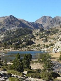Le pic du carlit est le plus haut sommet des Pyrénées-Orientales : 2921 m.