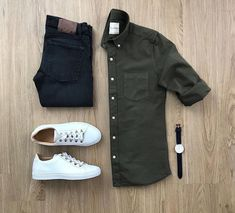 One great thing about men's fashion is that while most trends come and go, men's wear remains stylish and classy. However, for you to remain stylish, there are men's fashion tips you need to observe. Outfits Hombre Casual, Stylish Mens Outfits, Casual Wear, Men Casual, Casual Styles, La Mode Masculine, Outfit Grid, Men Style Tips, Style Men